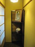 客室入り口の飾り棚