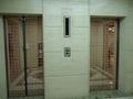 二基のエレベーター