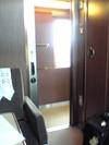 ツインルームから廊下をみたところ