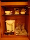 コーヒー、紅茶、日本茶は部屋にあります。