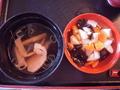 夕食・塩ラーメンとこづゆです。