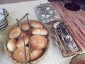 朝食・ロールパンです