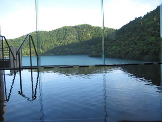 おしどり池を望む大浴場が素敵♪