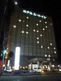 ホテル外観 (夜)