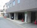 屋根つき駐車場