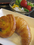 健康朝食焼きたてパン