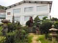 庭園には、安徳天皇と二位の尼の像が・・・