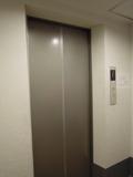 コンド棟のエレベータ