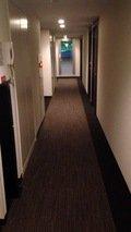 宿泊フロアの通路