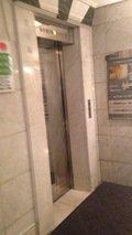 ホテルへのエレベーター