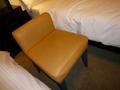 椅子の背が低くて疲れやすい
