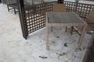 プールにある椅子