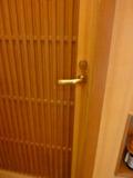 お部屋のドアー 木製です!