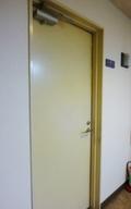 お部屋のドアー