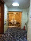 エレベーターホールからみた、宴会場