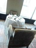 丸テーブルのソファー席(ピャチェーレ)