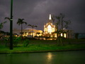 夜のラソール ガーデン・アリビラ クリスティア教会
