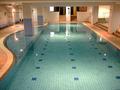 立派な室内プールがあります。