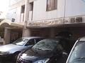 駐車場と外観