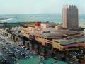 観覧車から見たビーチタワー沖縄