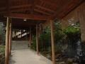 仙仁温泉岩の湯のロビーから客室に向かう通路