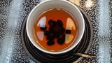 嵯峨沢館の部屋で出された黒豆茶