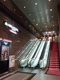 アパホテル<名古屋錦>EXCELLENTのフロントへ続くエスカレーター