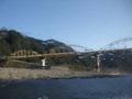 県境にある瀞峡の橋