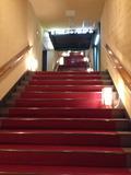 一階から4階へ上がる階段