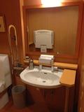4階のユニバーサルトイレ 洗面台