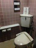 客室階の共用トイレ