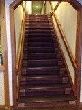 ロビーから客室への階段