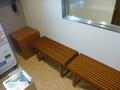 4階喫煙ルーム内の椅子