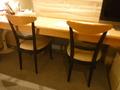 テーブルとイス