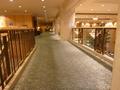 2階の豪華な廊下