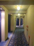 USJフロアの廊下はブルー(星空)をイメージしたカラーで統一