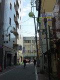 ホテルを出てJR蒲田駅方面へ(ホテル前の道路)