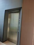 1階エレベーター、移動はお早めに