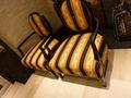 ヨーロピアンなロビーの椅子