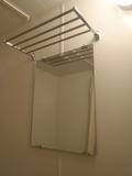 鏡と物干し棚