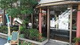 ホテル内の喫茶店の入口です