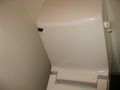 タンク式トイレ。