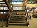 ロビー階段。