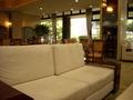 フロント前のソファー