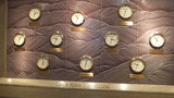 世界時計も高級感満載