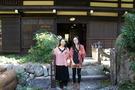 川のほとりの静かな日本家屋で温泉三昧