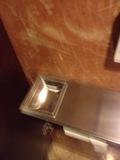 最上階トイレの灰皿