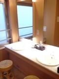 温泉の洗面台