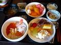 朝食のマイ海鮮丼がすごい