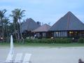 ビーチとレストラン